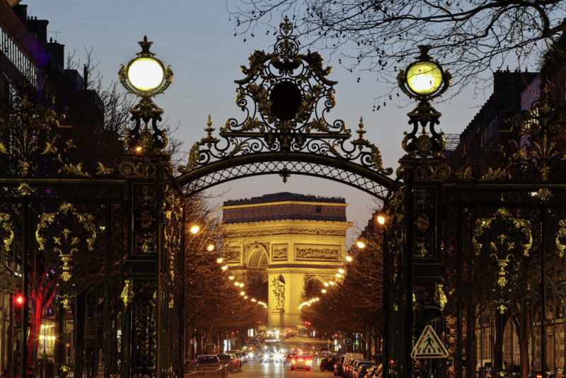5 Ingredients for the Perfect Romantic New Year in Paris