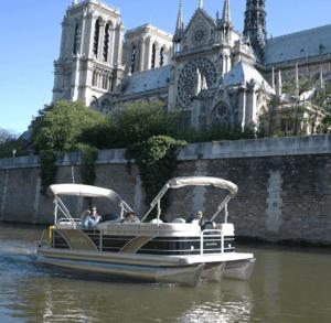 Seine river picnic cruise