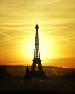 best time to travel to paris