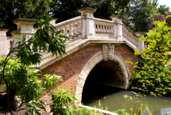 Discovering the Parc Monceau Neighborhood