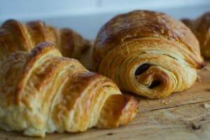 croissants baking paris