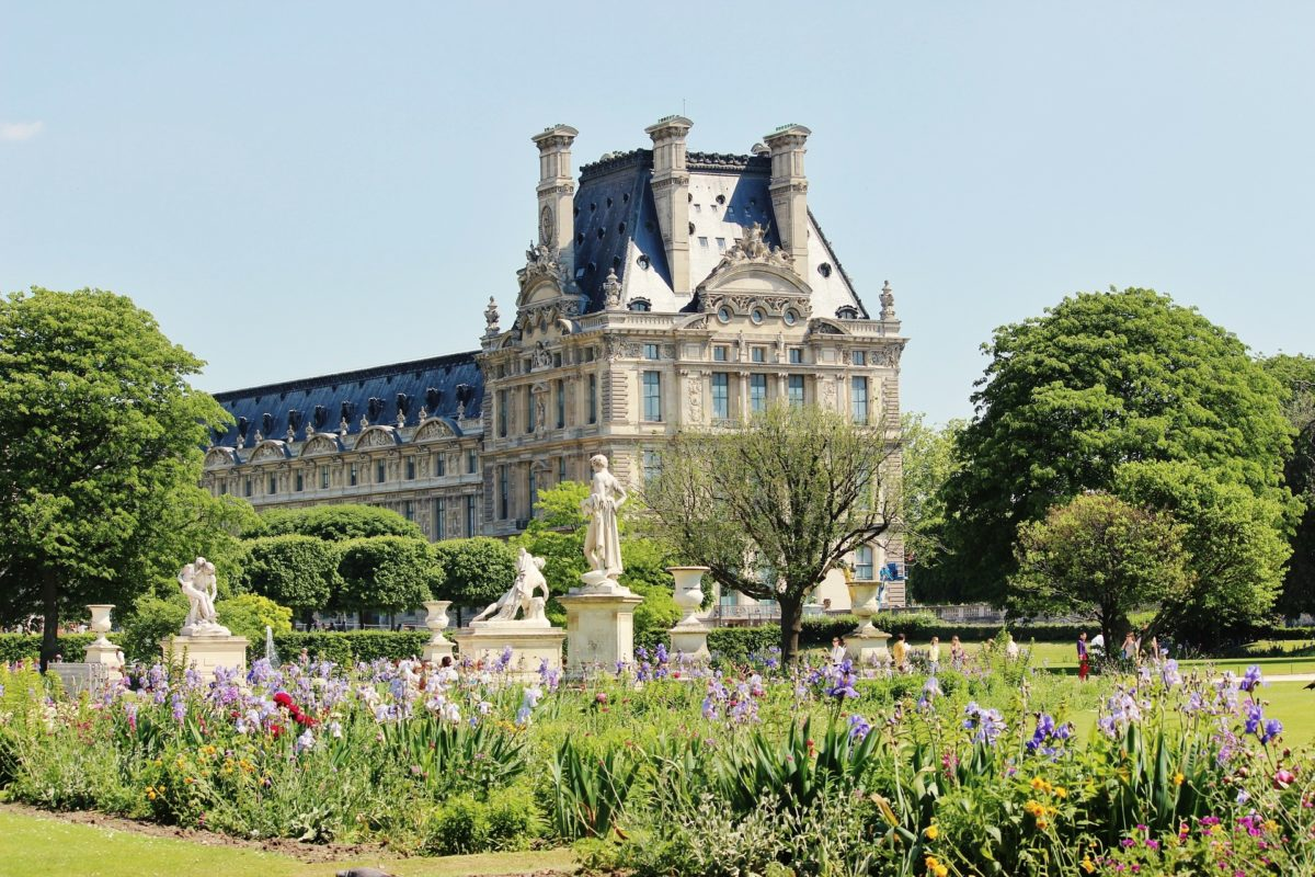 When is the Best Time to travel to Paris & France?